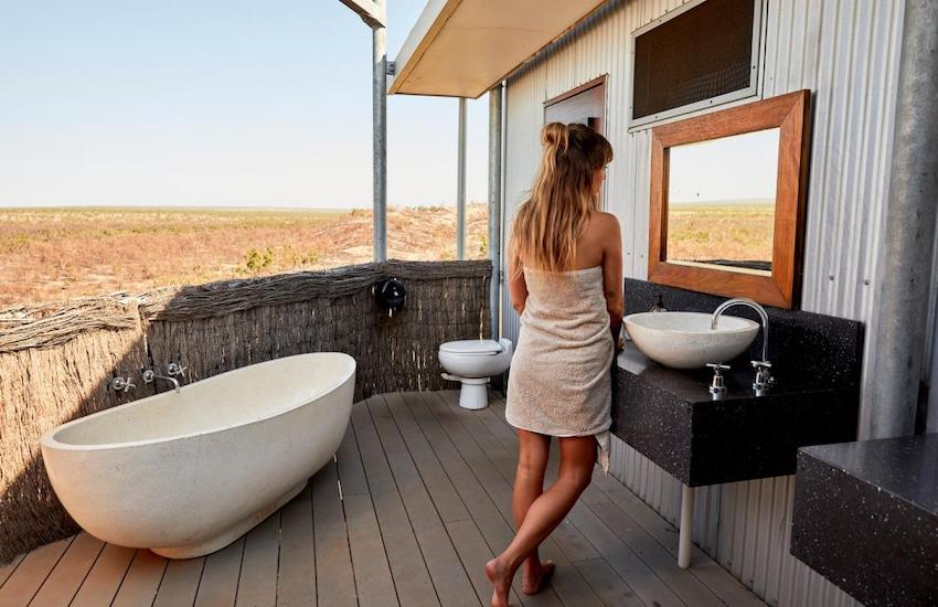 The outdoor ensuite at Berkeley River Lodge